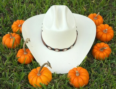 surrounded by the pumpkin gang (a hat for all seasons #2)