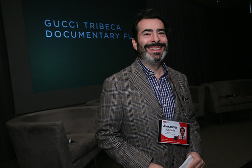 Gucci at TED2010, As part of the TED2010 Conference, Gucci hosted a private breakfast at the Westin Long Beach dedicated to the influential genres of documentary filmmaking and journalism.