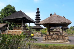 """Balinese temples are only busy during the 3 days of their anniversary (which is obviously not today !) • <a style=""""font-size:0.8em;"""" href=""""http://www.flickr.com/photos/55894487@N00/9341714600/"""" target=""""_blank"""">View on Flickr</a>"""