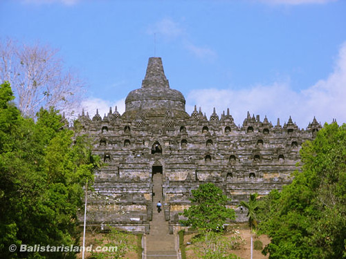 Budhas Temple Borobudur Yogyaka Borobudur Temple Buddhist Temple in Indonesia Flickr Photo 500x375