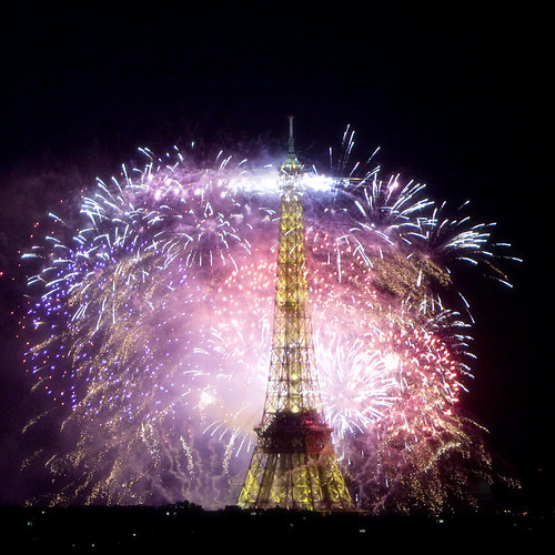 Feu d'Artifice 14 juillet 2009 120 ans Tour Eiffel Paris / Fireworks Eiffel Tower 120 years old by Rod Maurice - Lame de Son