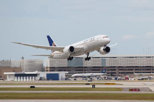 Boeing 787 Departure at IAH