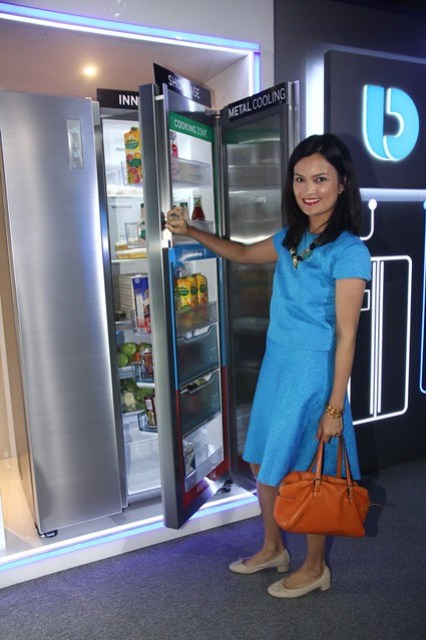 Daphne Paez with the Refrigerator during the Samsung DA Launch last March 27, 2014
