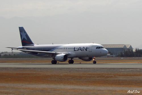 LAN Airlines en SCL (Santiago, Chile) | Airbus A320-214 CC-BFH