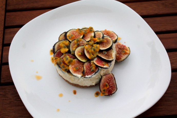 pear and fig cake raw