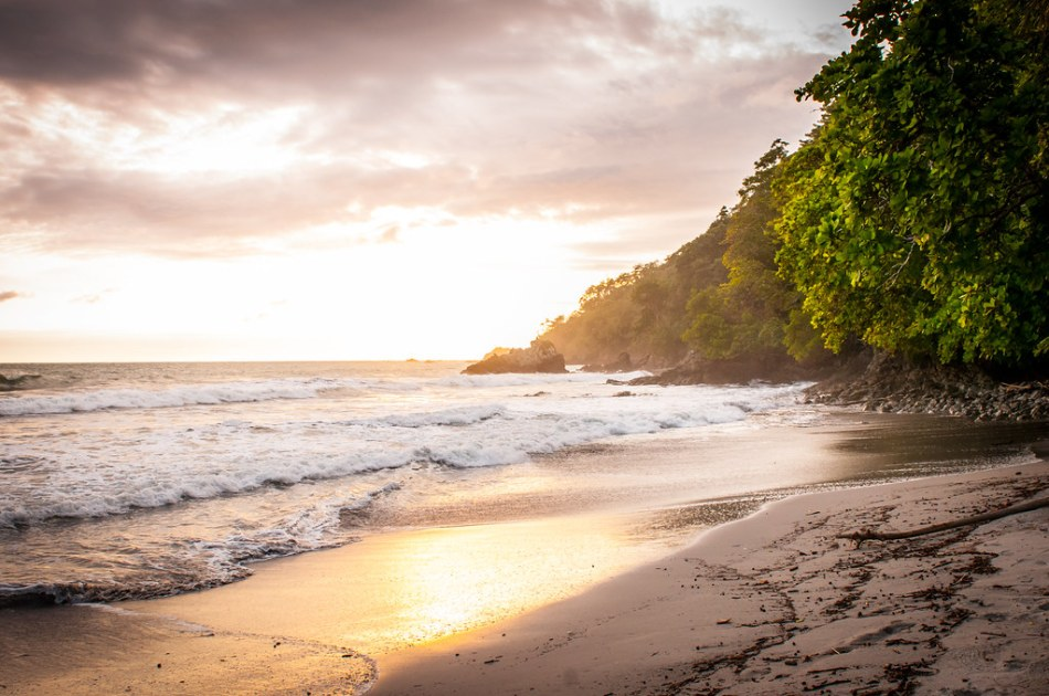 Playa Espadilla Costa Rica-5
