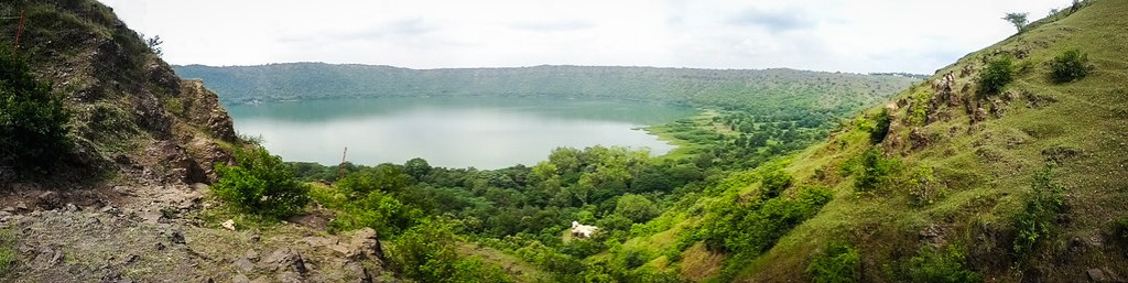 Lonar lake - Panorama from top