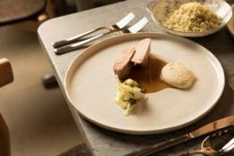 MakMing_images_48 (pork chop, black truffle, cauliflower (sous-vide pork, cauliflower puree, cauliflower rice))