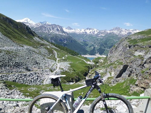 Route to Lac de la Sassière