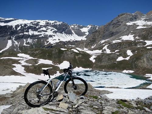 Lac du Santel below