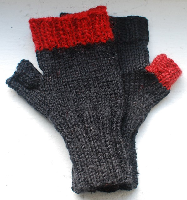 Fingerless mitts for Juren