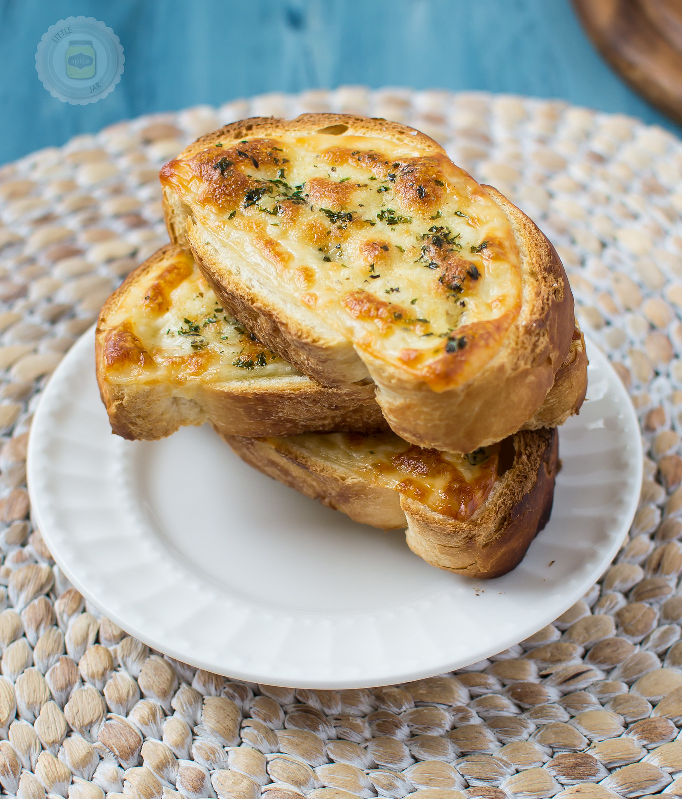 Easy Cheesy Garlic Bread Final Cropped