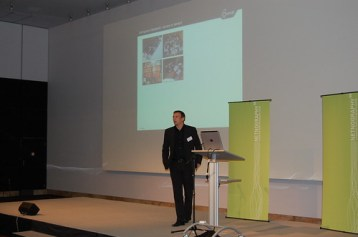 Michael Schmidt presenting the innovation solution