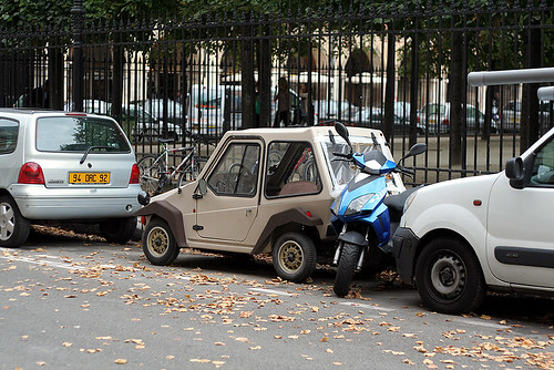 smallest car in paris?