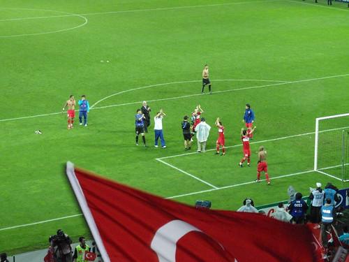 Turkey players applaud fans