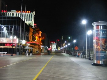 CC Flickr photo by Lisa Andres: The Atlantic City Boardwalk at Night