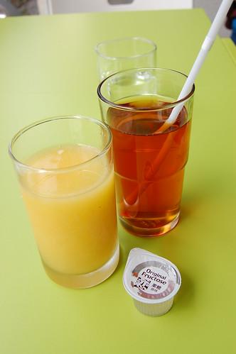 果汁和紅茶