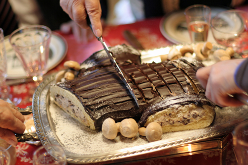 attacking the bûche