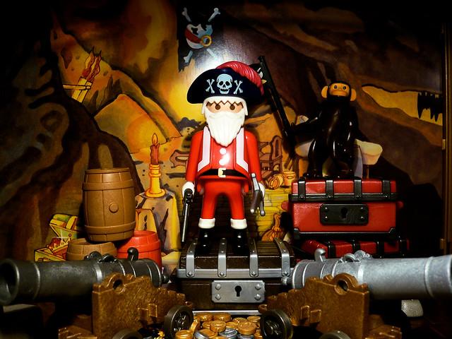 Santa King of Pirate // Père Noël Roi des Pirates