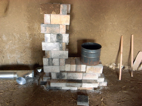 rocketstove-09brickwork.jpg