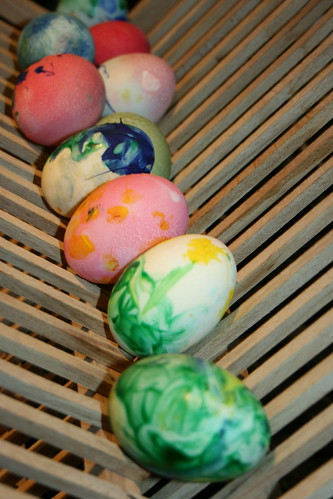 Drying Painted Dugg Eggs for Easter