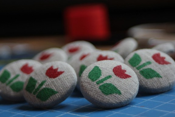 tulip buttons