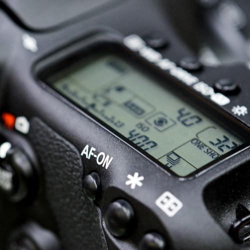 Canon dSLR camera decide choose compare vs