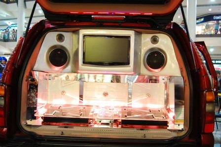 Chevrolet Tahoe by Kid Audio Rear
