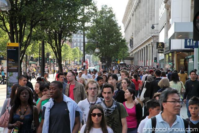 Massive crowds around Selfridges department store