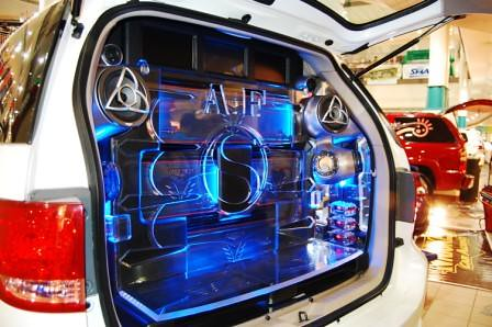 Toyota Fortuner by Kid Audio Rear