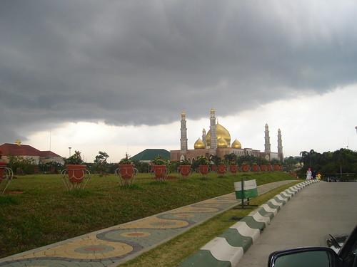 Masjid Kubah Emas Dian Al-Mahri - GOLDEN DOME MOSQUE