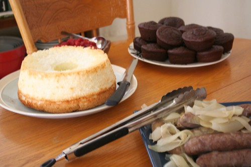 chocolate cupcakes, angel foodcake, brats