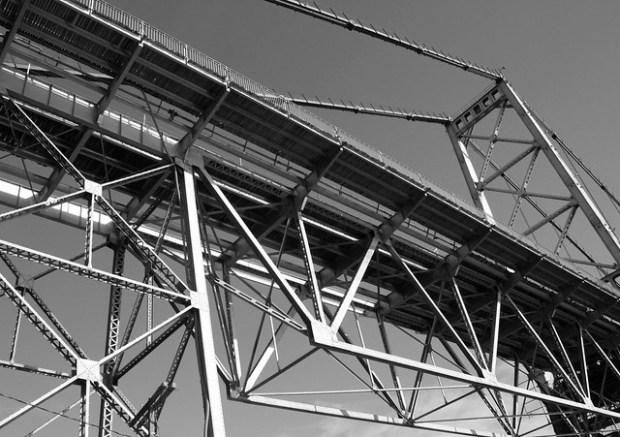 Metalic Structure/Estutura Metálica