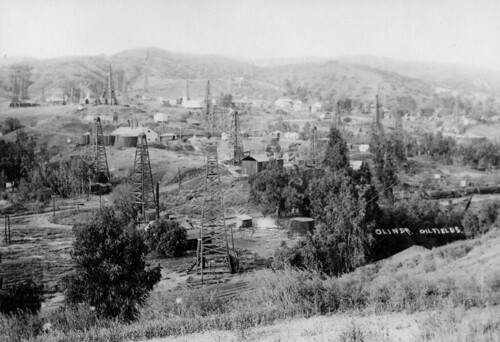 Olinda oilfields, circa 1920