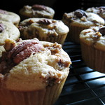 Vegan Pecan Sherry Streusel Cupcakes