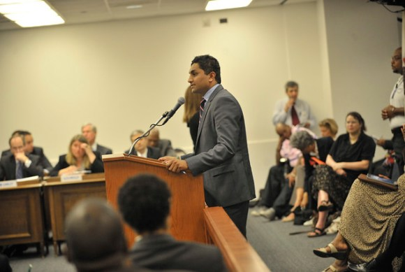 Ald. Ameya Pawar speaks to the Board of Education (WBEZ/Bill Healy)
