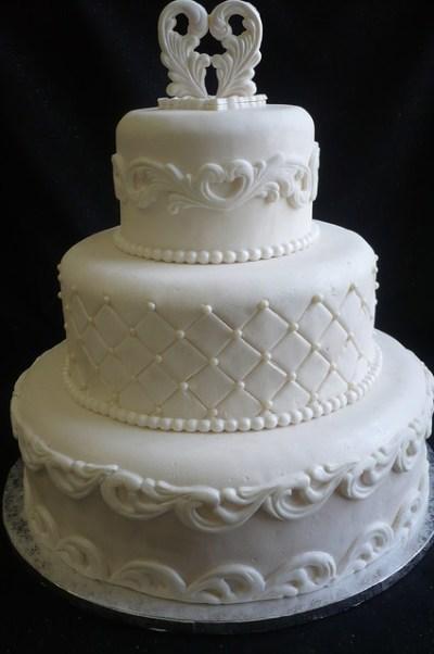 3 Tier dummy Wedding Cake | Flickr - Photo Sharing!
