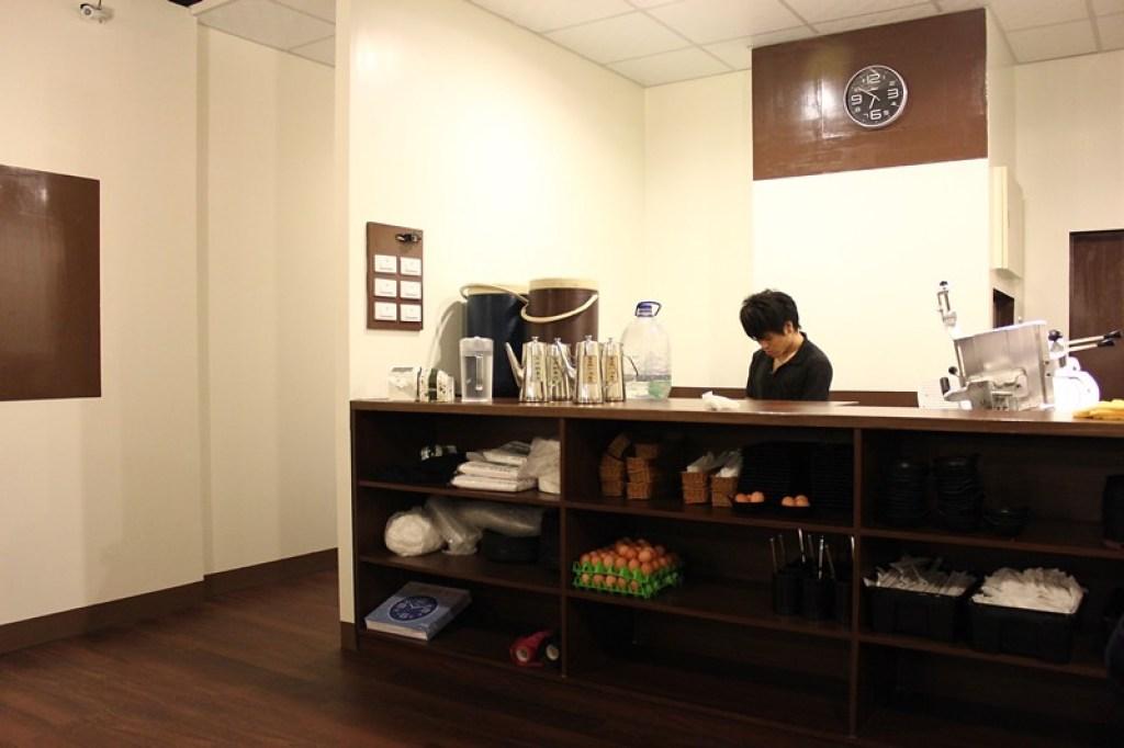 二樓點餐檯,在這邊是現切肉盤(點菜單給服務升級可,服務生會送肉盤至桌面)