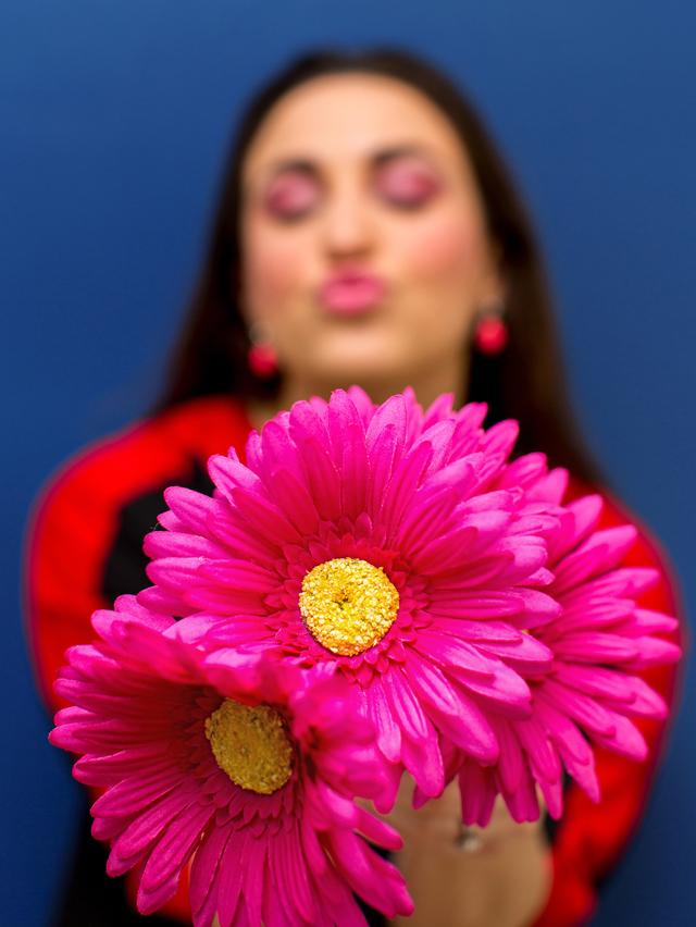 pink-eyemakeup-kiss