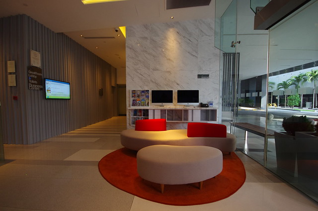holiday inn express singapore orchard lobby