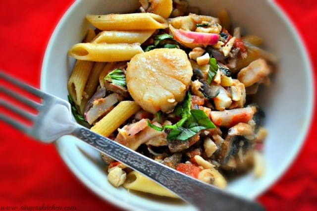 Spicy Seafood & Veggie Penne Pasta