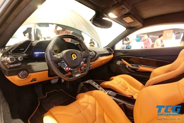 2015 Ferrari 488 GTB (9)