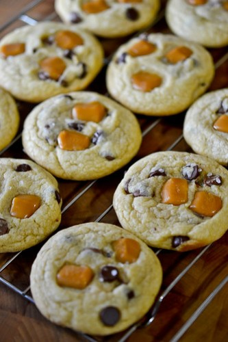 Salted Caramel Chocolate Chip Cookies-6