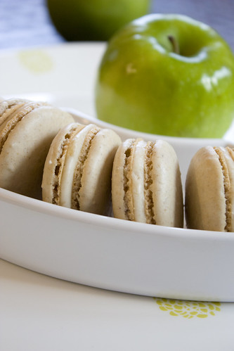 Old Fashioned Apple Pie Macarons