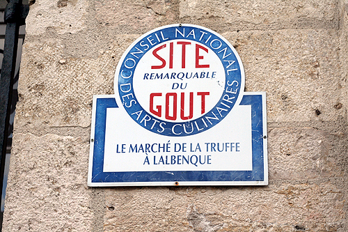 truffle market sign