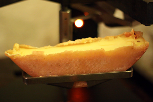 raclette under lamp