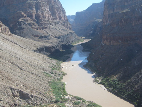 into the grand canyon by helicopter