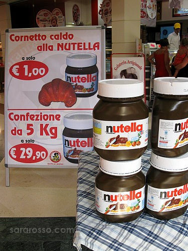 5 kilos of Nutella or a hot cornetto with Nutella