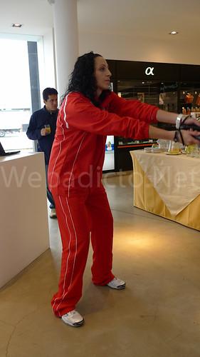 Patricia Aranda recibiendo un saque