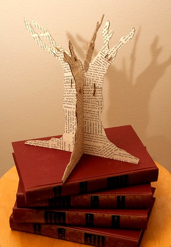 Drafting a Tree Made of Knowledge